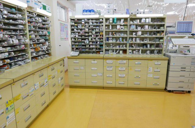 薬局内はみなさまの安心を得るよう感染症対策を施しています